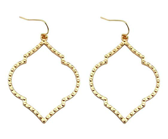 chandelier-statement-earrings-perfect-for-the-holidays